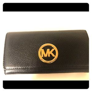 Michael Kors Fulton Leather Carryall wallet